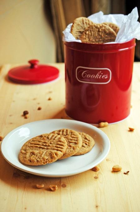 4-Peanut-Butter-Cookies-3_e