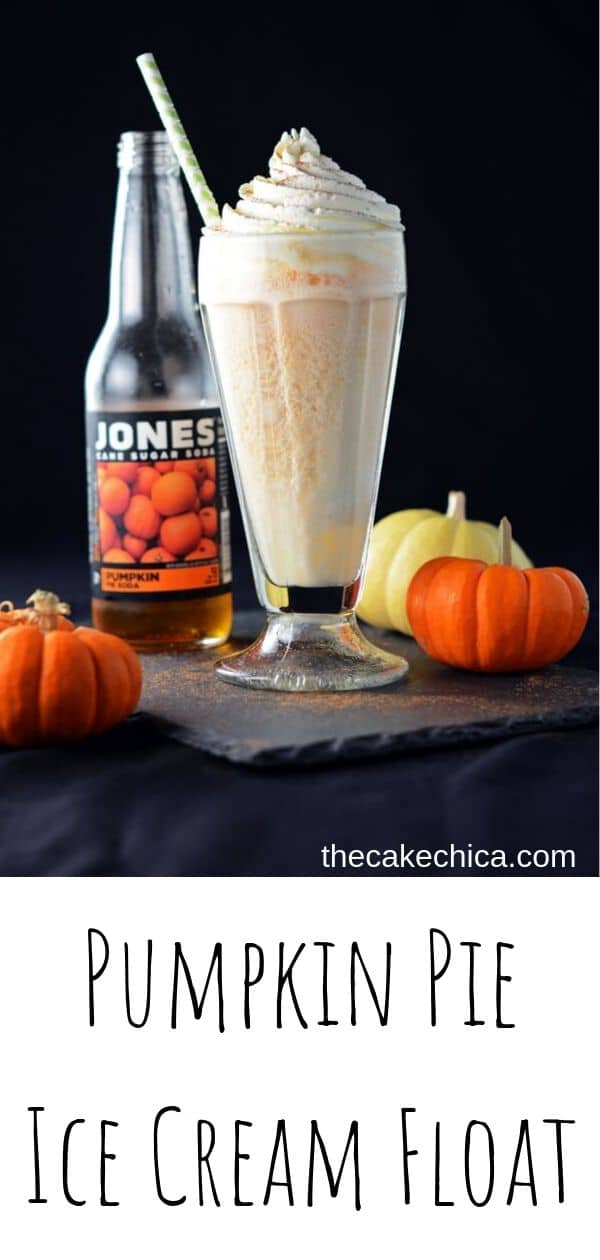 A traditional ice cream float made with pumpkin soda and topped with homemade whipped cream. #icecream #icecreamfloat #pumpkin #pumpkinrecipes #soda #thecakechica