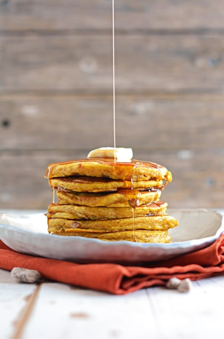 Spiced Pumpkin-Pecan Pancakes | The Cake Chica